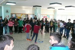 Γυμνάσιο Ν. Γυν/κάστρου :Το μήνυμα της αλληγεγγύης μέσα από ένα τραγούδι