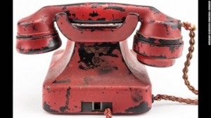 Το κόκκινο τηλέφωνο του Χίτλερ που πωλήθηκε έναντι 243.000 δολαρίων
