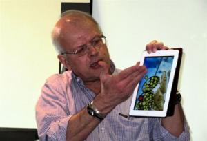O σεισμολόγος Ακης Τσελέντης έχασε την πτήση που συνετρίβη και σώθηκε