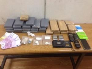 Αττική: Εξαρθρώθηκε σπείρα που διακινούσε μεγάλες ποσότητες ναρκωτικών