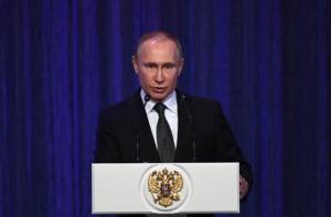 Πούτιν: Ισχυρές ένοπλες δυνάμεις εγγυώνται την ανάπτυξη