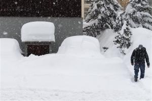 Τσίπρας: Πορεία στα χιόνια του Νταβός