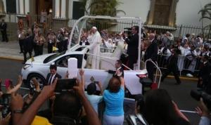 Έκκληση του Προέδρου του Περού στον Πάππα, κατά την άφιξή του