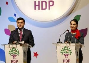 Στο ΕΔΑΔ το φιλοκουρδικό HDP για τη φυλάκιση της ηγεσίας του