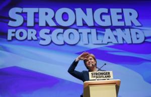 Η Σκωτία θα εξετάσει το θέμα της ανεξαρτησίας μόλις υπάρξει σαφήνεια με το Brexit