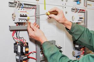 Για την ασφάλεια και το συμφέρον σας: Επιλέξτε ηλεκτρολόγους με νόμιμη άδεια