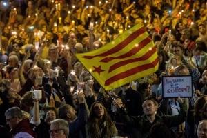 Κρίσιμες ώρες για την Καταλωνία - Προκηρύξτε εκλογές διαμηνύει η Ισπανία