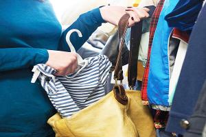 Είχαν αδυναμία στα ρούχα οι δυο νεαρές!