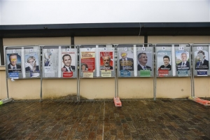 Φάκελος Γαλλικές Εκλογές: Θρίλερ για την πρώτη θέση μεταξύ Μακρόν 23,28% και Λεπέν 22,70