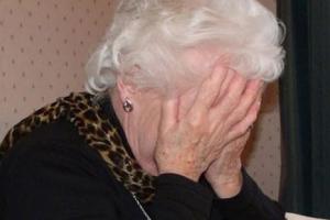 Τσάκωσαν απατεώνες που ξεγέλασαν ηλικιωμένη αποσπώντας της χρήματα