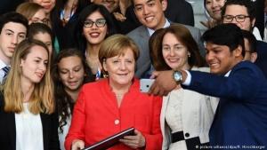 DW: Οι Γερμανοί νέοι προτιμούν τους Χριστιανοδημοκράτες