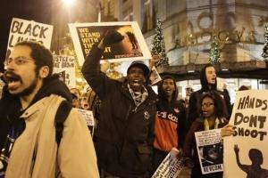 ΗΠΑ: Κράτος και κοινωνία απέτυχαν να διαχειριστούν τη δολοφονία στο Φέργκιουσον